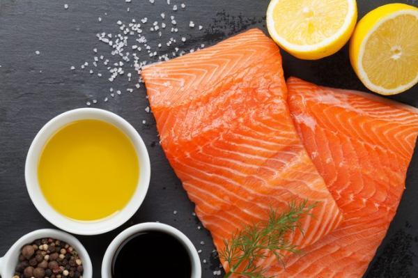 Avantages de l'huile de saumon pour chiens