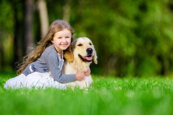 Les meilleures races de chiens pour les enfants autistes